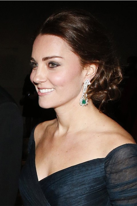 kate-middleton-wedding-hair-inspiration-_0007_Kate-Middleton-Updo-Hairstyle-Winter-2014