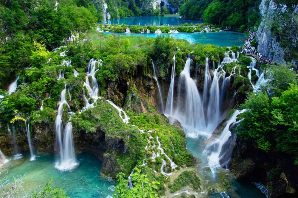 6607210-homepage-Plitvice-Waterfalls-1473324152-1000-2128435a31-1481527505