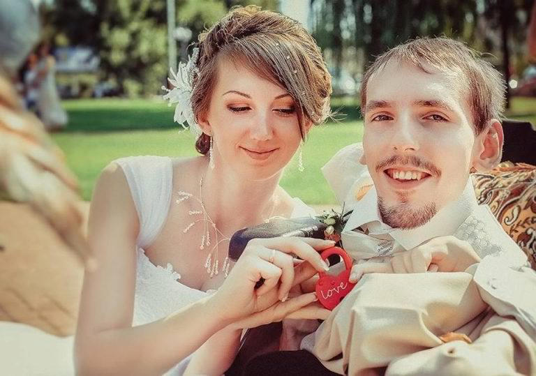 gorgeous-woman-travels-to-marry-crippled-man-3