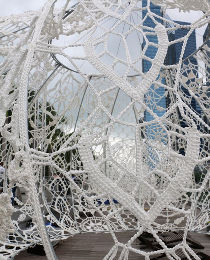 crocheted-urchins-sculpture-choi-shine-architects-singapore-marina-bay-12