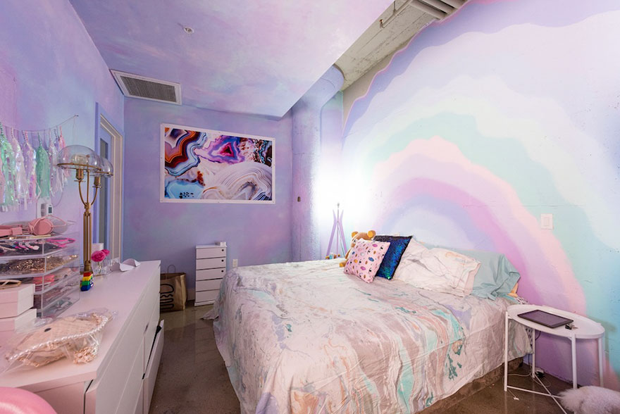 rainbow-colored-apartment-amina-mucciolo-30-59439dd01f12d__880
