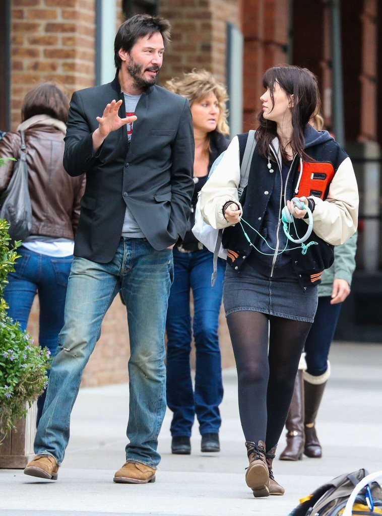 Keanu+Reeves+Out+Stroll+Female+Friend+SaISTUmC0Sjx